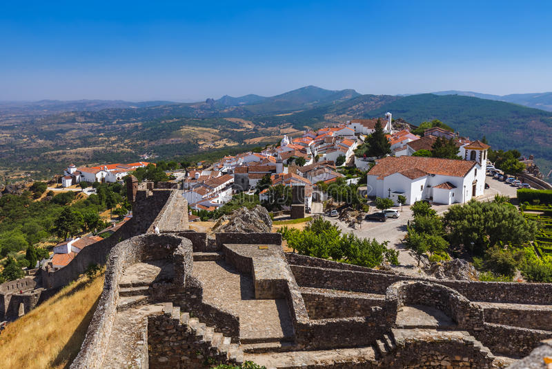 Fortaleza en el pueblo Marvao - Portugal imagenes de archivo