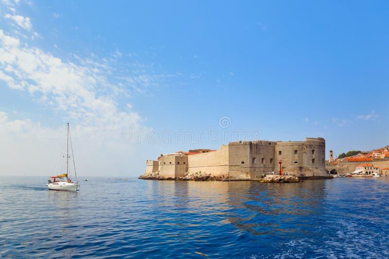 Fortaleza en la ciudad Dubrovnik en Croatia foto de archivo