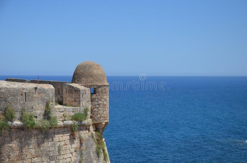 Fortaleza en las orillas del mar fotografía de archivo