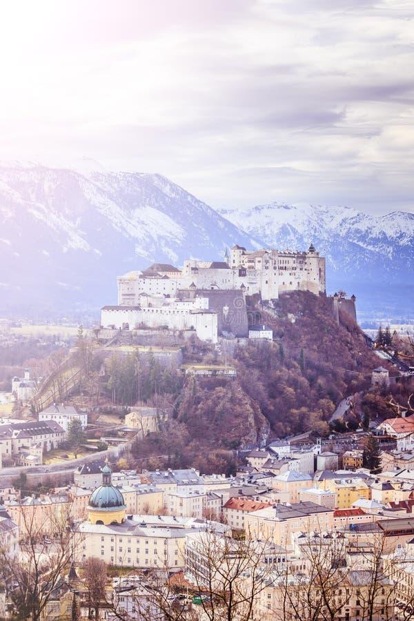 Fortaleza Hohensalzburg: Castillo medieval hermoso en Austria, atracción turística fotos de archivo