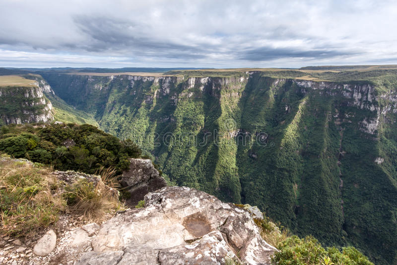 Fortaleza kanjon Aparados da Serra Brazil arkivfoto