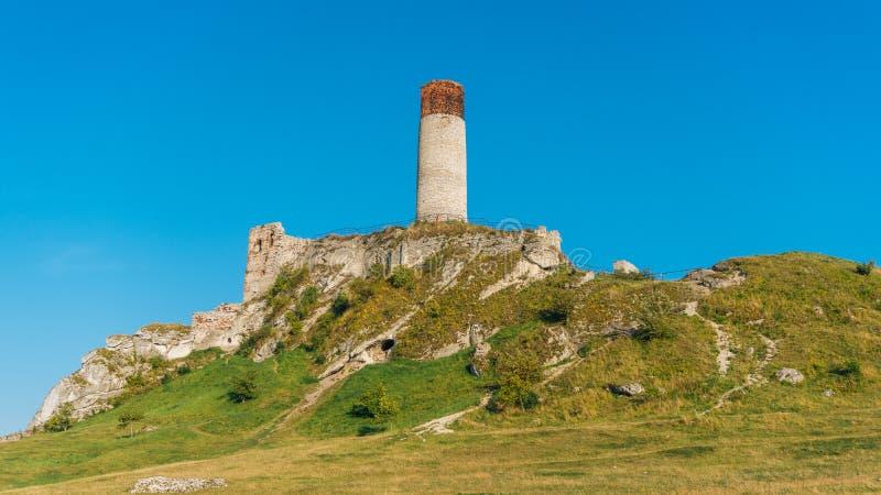 Fortaleza medieval do castelo de Olsztyn na região de Jura foto de stock
