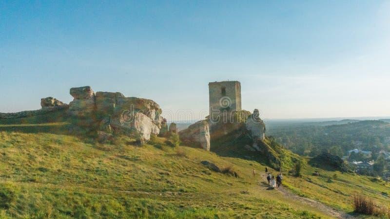 Fortaleza medieval do castelo de Olsztyn na região de Jura fotos de stock royalty free