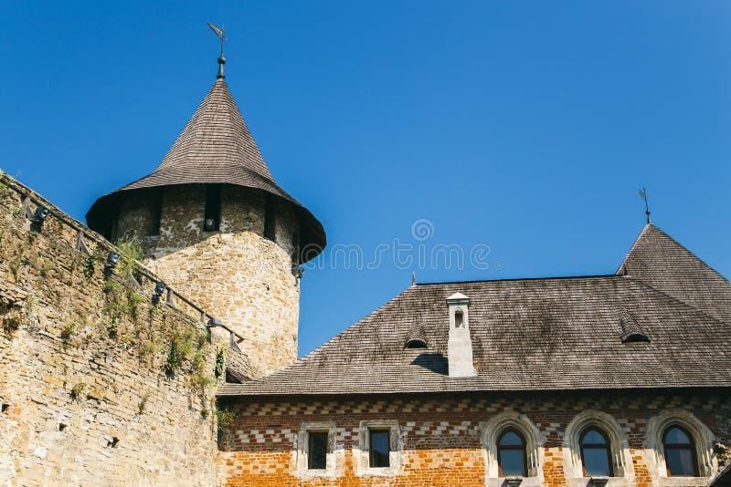 Fortaleza medieval na cidade Ucrânia ocidental de Khotyn Parte do w imagens de stock royalty free