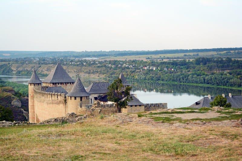 Fortaleza medieval na cidade Ucrânia ocidental de Khotyn Uma das sete maravilhas imagens de stock royalty free