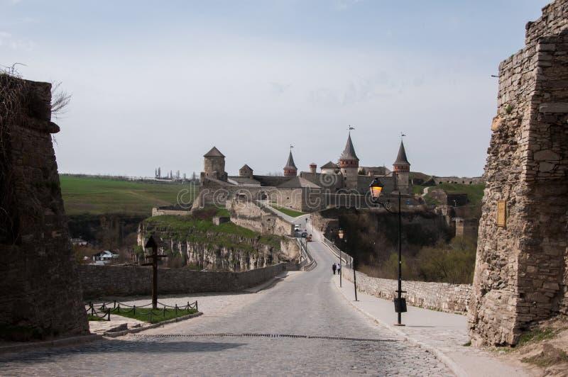 Fortaleza na cidade da região de Kamyanets-Podilsky Khmelnytsky de Ucrânia fotografia de stock royalty free