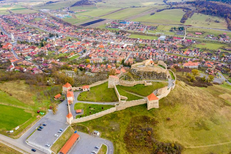 Fortaleza Rupea na Transilvânia Camponês saxão betw murado do castelo foto de stock royalty free