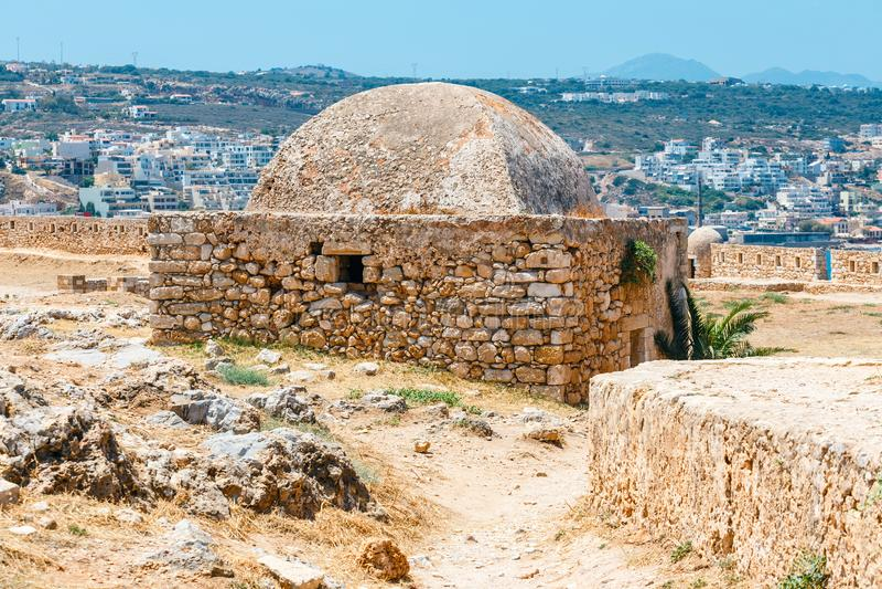 Fortaleza Venetian Fortezza em Rethymno na ilha da Creta, Grécia fotos de stock royalty free