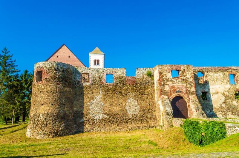 Fortaleza vieja, atracción turística cerca de Pozega Croacia décimo quinto a la región del siglo XVI de Eslavonia imagenes de archivo