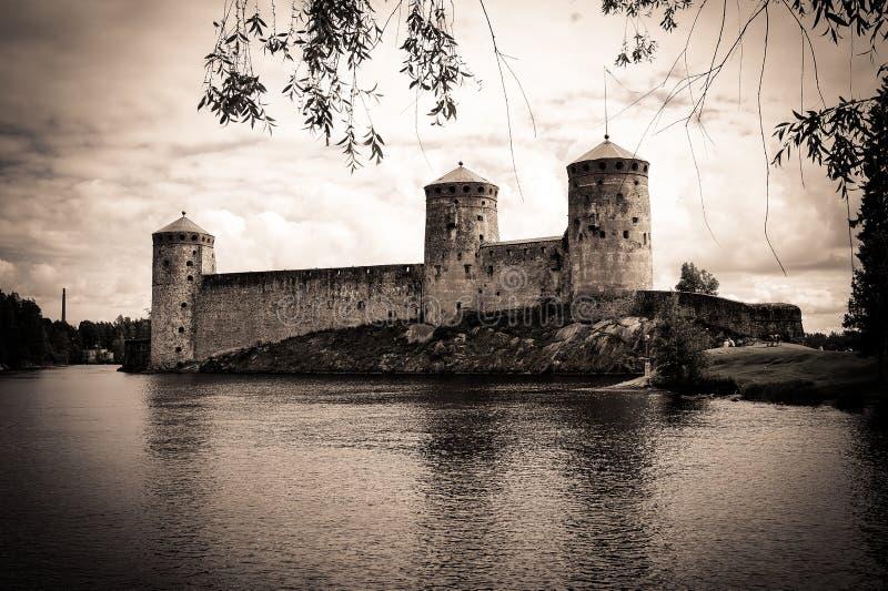 Fortaleza vieja misteriosa Olavinlinna en Savonlinna Finlandia foto de archivo libre de regalías