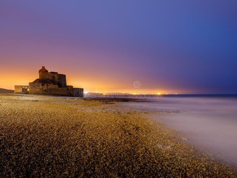 Forte Ambleteuse na costa francesa durante o crepúsculo fotografia de stock royalty free