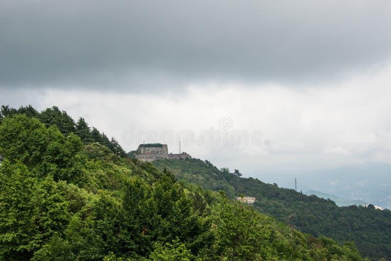 Forte Begato près de la ville de Gênes, Italie photo stock