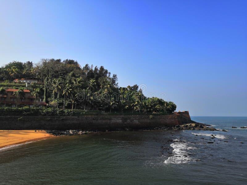 Forte de Aguada na costa árabe foto de stock