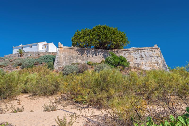 Forteca i ko?ci??, Cacela Velha, Wschodni Algarve, Portugalia fotografia royalty free