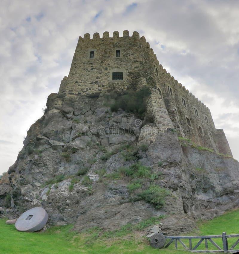 Forteca na rockowej górze zdjęcia stock