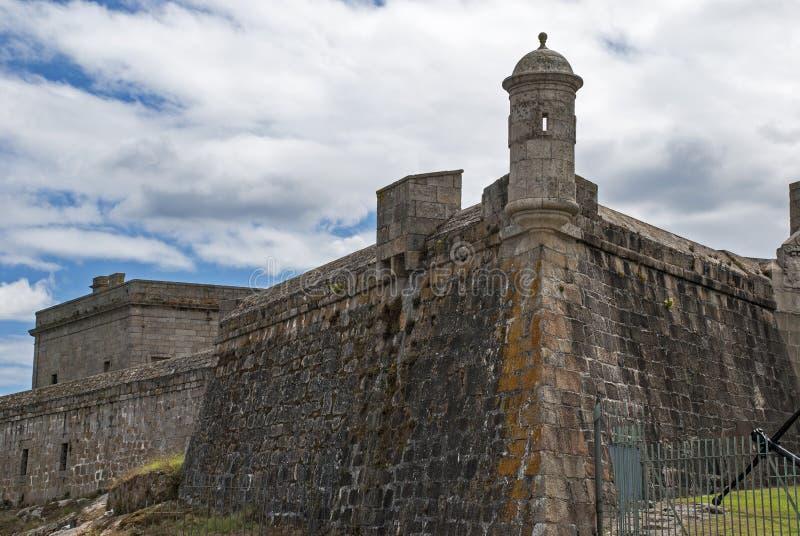 Forteresse avec la tour de montre en Espagne images libres de droits