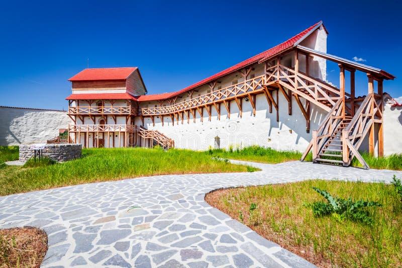 Forteresse de Feldioara, la Transylvanie - Roumanie photographie stock
