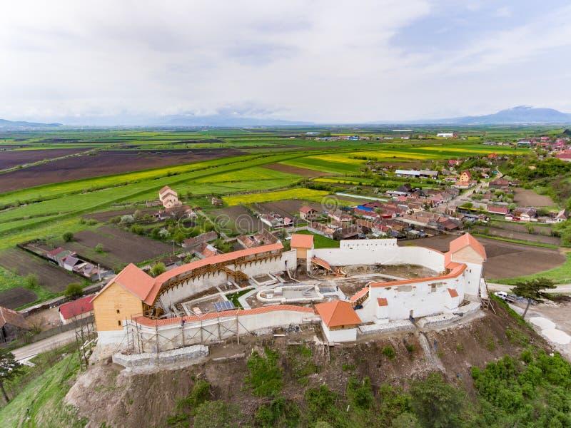 Forteresse médiévale de Feldioara Marienburg près de Brasov, Roumanie, Th images stock
