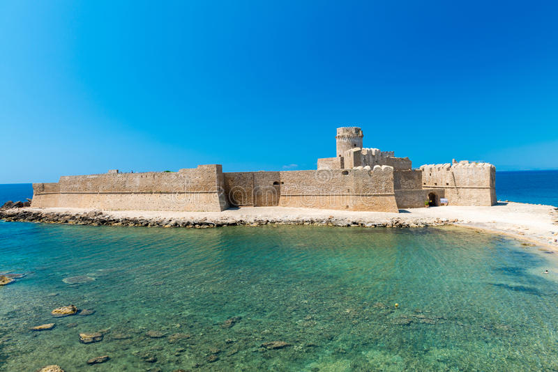 Fortezza Aragonese, Le Castella - Calabria - Italien royaltyfri foto