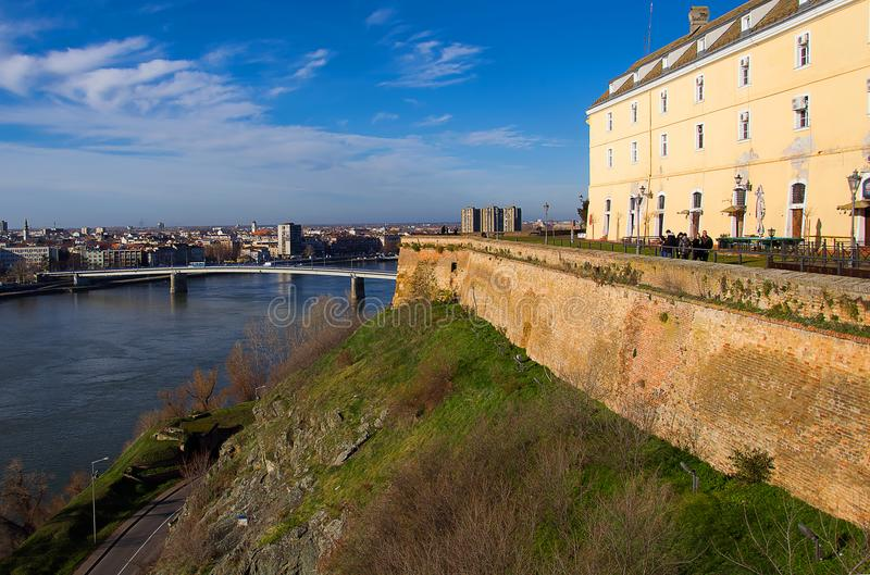 Fortezza, Danubio e Novi Sad di Petrovaradin immagini stock