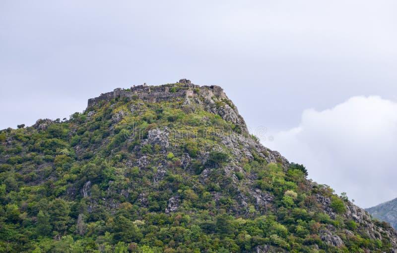 Fortezza di Haj-Nehaj sopra Sutomore, Montenegro fotografia stock