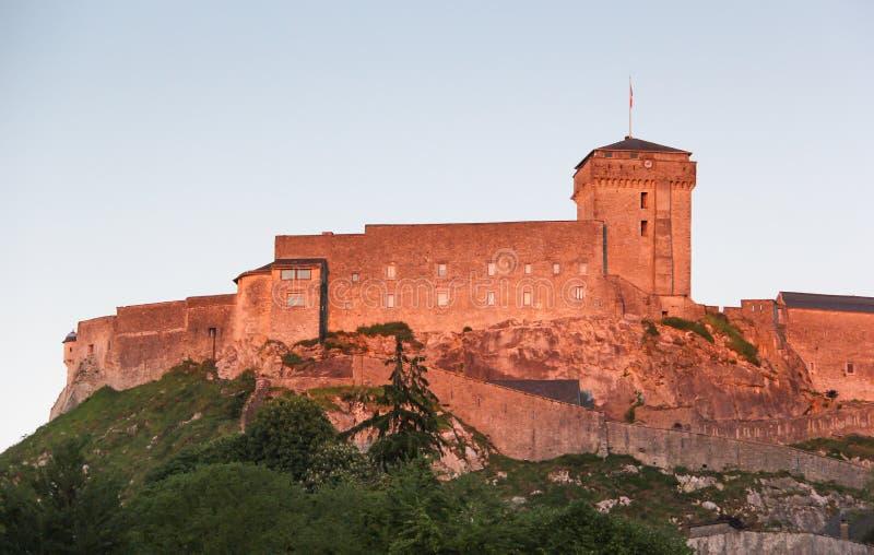 Fortezza medievale di Lourdes immagini stock libere da diritti