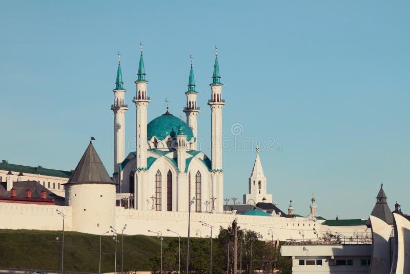 Fortificação e mesquita ocidentais de Kul Sharif no Kremlin de Kazan imagens de stock