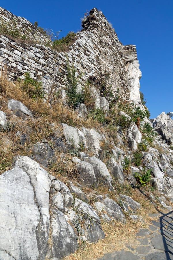 Fortificação medieval da fortaleza do ` s de Asen, Asenovgrad, Bulgária imagens de stock royalty free