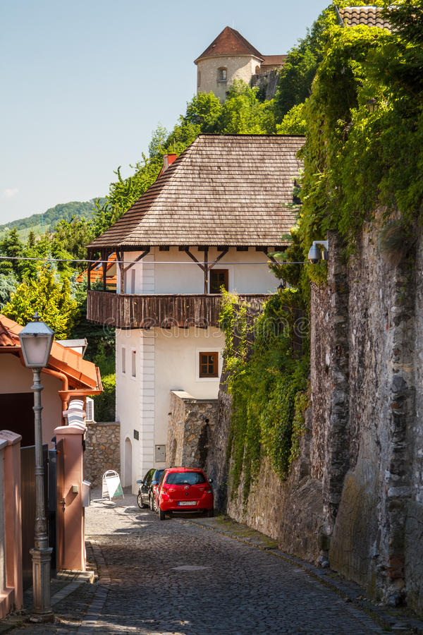Fortificações medievais de Trencin foto de stock
