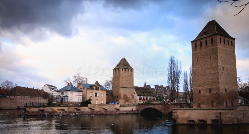 Fortifications de la grande serrure au centre historique de Strasbourg photos libres de droits