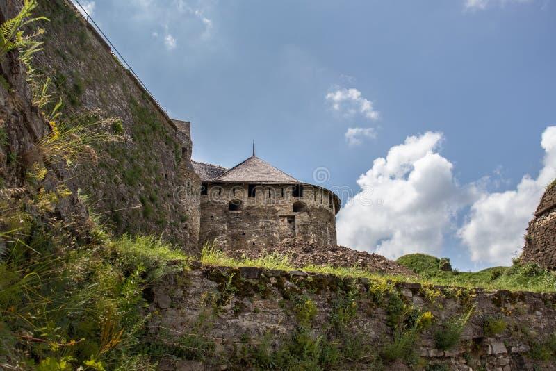 Fortifications en pierre d'un ch?teau antique photo stock