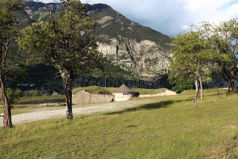 Fortificazione del Mont-delfino nelle Hautes-Alpes, Francia fotografia stock