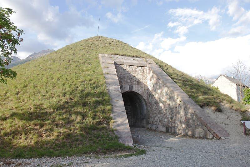 Fortificazione del Mont-delfino, rivista di polvere, Hautes-Alpes, Francia immagine stock