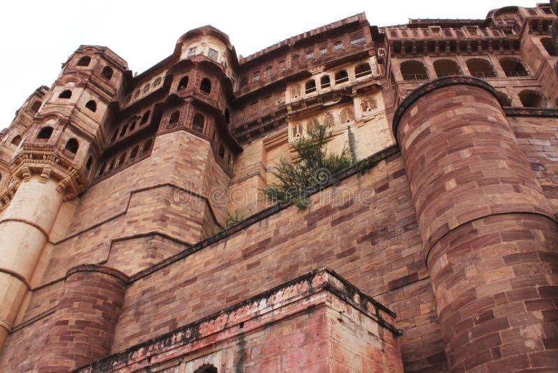Fortificazione fatta dalla pietra rossa fotografia stock
