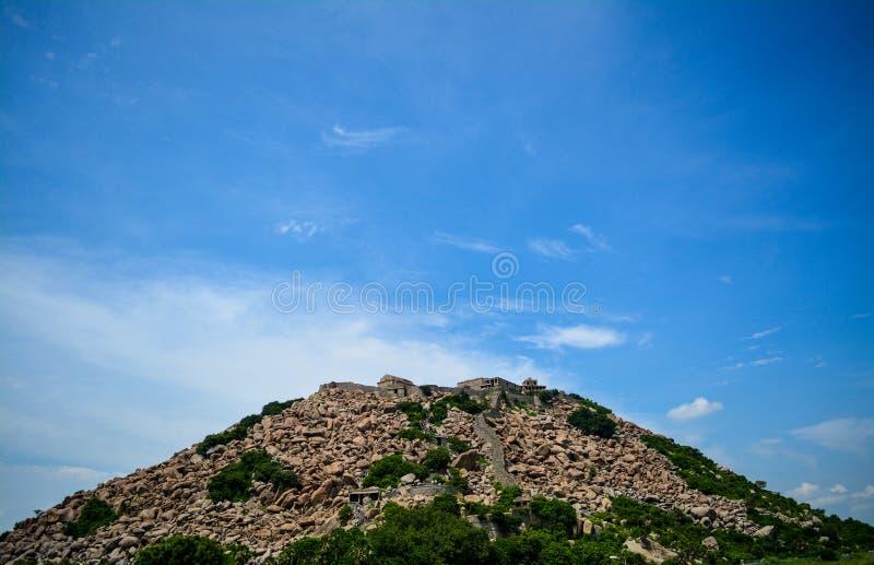Fortificazione in Tamil Nadu, India di Gingee fotografia stock libera da diritti