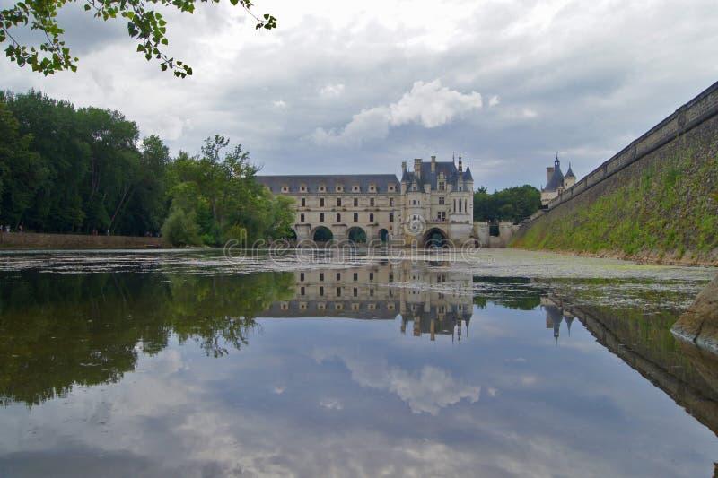 Fortifichi Chenonceaux, la riflessione, Loire Valley, Francia immagine stock libera da diritti
