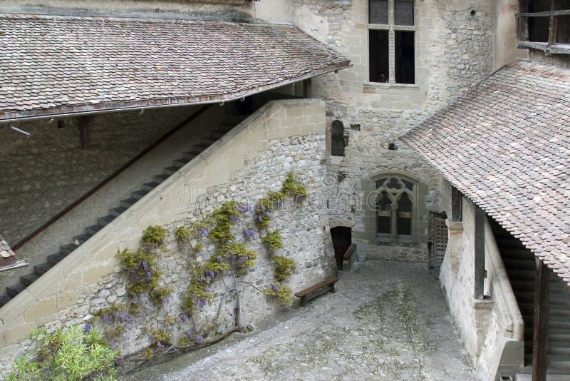 Fortifique Chillon, perto de Montreux, lago Genebra, Switzerland, maio 200 foto de stock royalty free