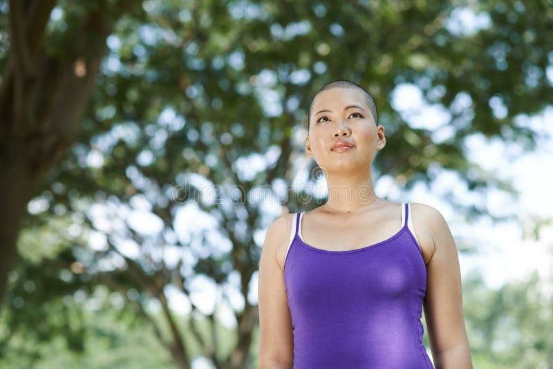 Fortleva bröstcancer royaltyfri bild