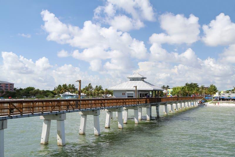 Fortu Myers plaży molo na pięknym dniu zdjęcie royalty free