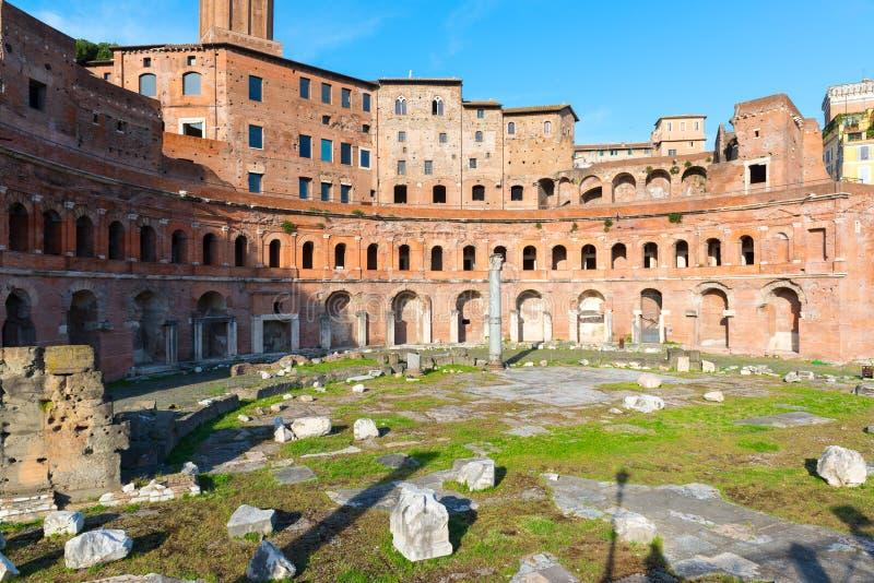 Forum et marché de Trajan à Rome image stock
