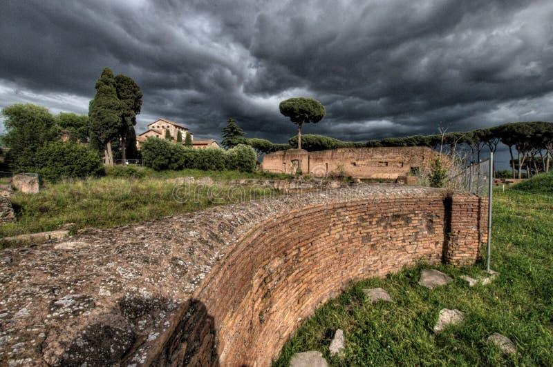 Forum Romanum på en stormig dag arkivbilder
