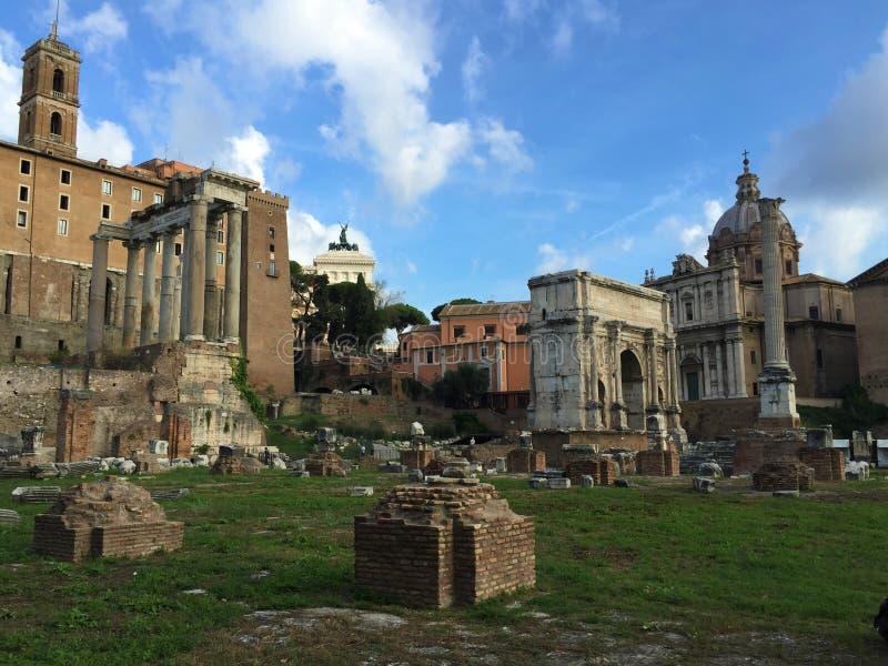 Forum var mitten av dagligt liv i Rome arkivbild