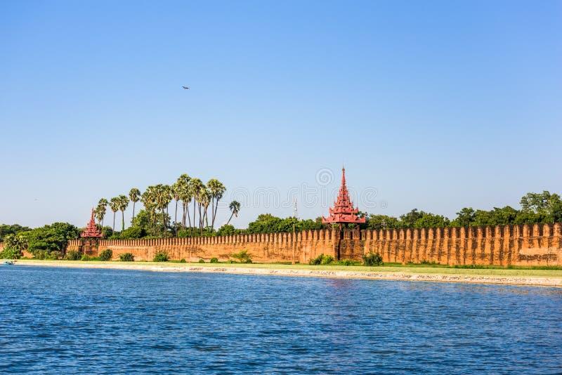 Fosa del palacio de Mandalay imagenes de archivo