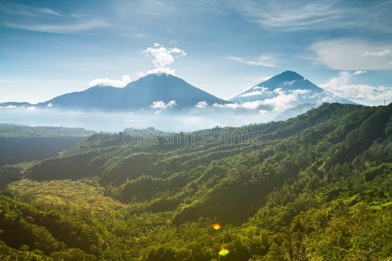 Foschia del vulcano di Batur di mattina, isola di Bali fotografia stock libera da diritti