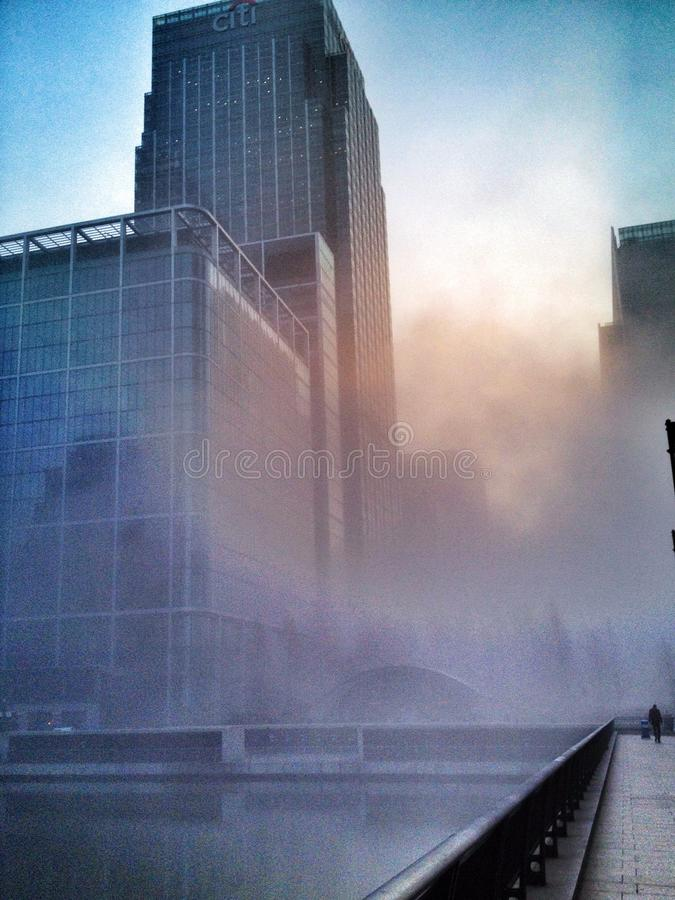 Foschia di Canary Wharf Londra fotografie stock libere da diritti