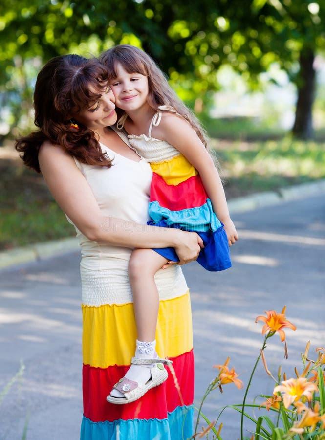 Fostra med dottern arkivbilder