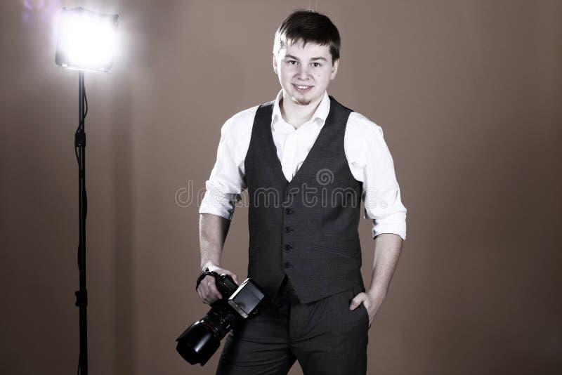 Fotógrafo com câmera imagem de stock royalty free