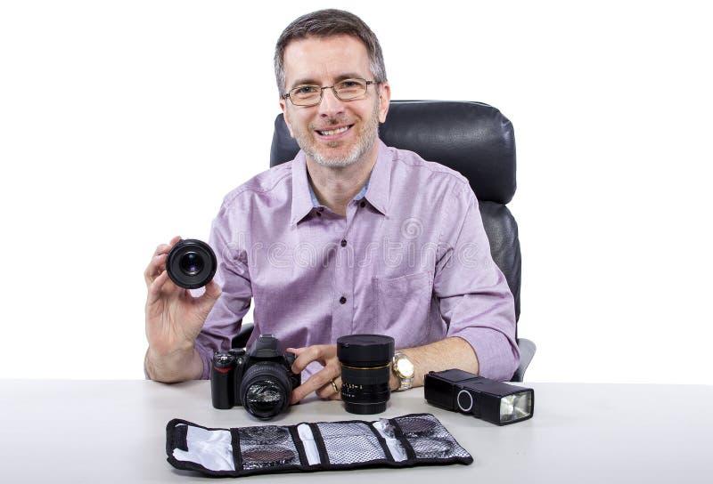 Fotógrafo com equipamento fotografia de stock royalty free