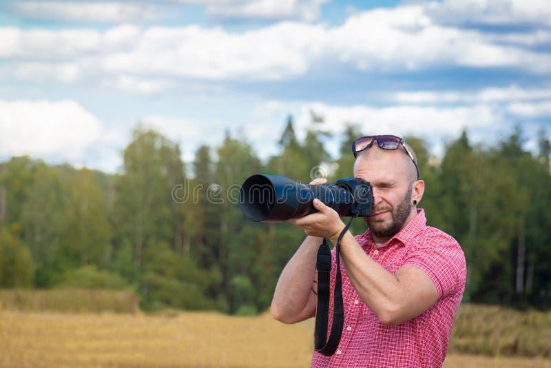 Fotógrafo en naturaleza foto de archivo libre de regalías