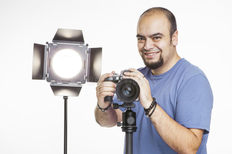 Fotógrafo profissional com equipamento fotográfico imagens de stock royalty free